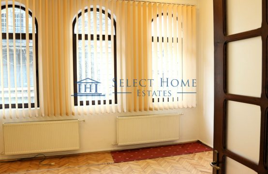 Vila superba|Stil neobrancovenesc | Ideal sediu firma | 4 camere